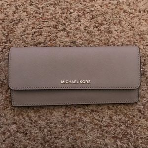 Michael Kors Thin Wallet